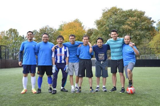 IndoSoc Sheffield FC  Ki-ka: Ranggi, Hari, Indra, Kelana, Arif, Rifi, Rory, Razie (c) (image courtesy of Irfan Madani)