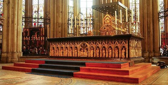 Shrine of the Three Kings di Katedral Koln (courtesy: wikipedia)