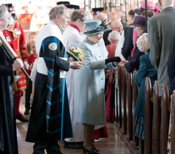 Royal Maundy di tahun 2010, Derby Cathedral (courtesy: royal.gov.uk)